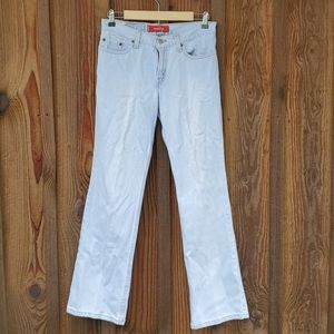 Super low boot cut Levis 518 size 7